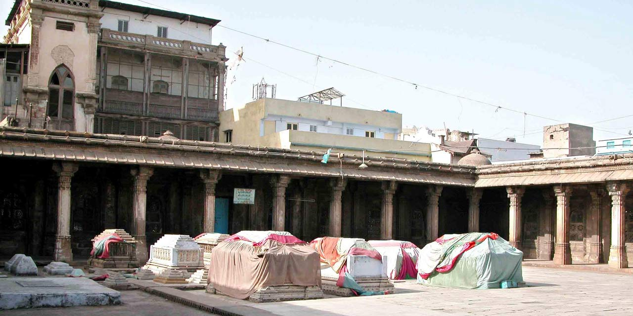 Rani no Hajiro, Ahmedabad Top Places to Visit in Three Days