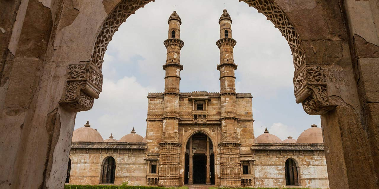 Jhulta Minar, Ahmedabad Top Places to Visit in Three Days